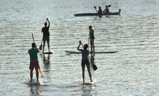 SUP Board leihen oder kaufen bei Berlin am Motzener See. Paddel Pit SUP und Bootsverleih