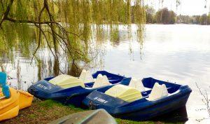 Ruderboot oder Tretboot mieten im Berliner Umland bei Paddel Pit in Motzen am Motzener See. Nur 25km in südlicher Richtung von Berlin entfernt. Ein Ruderboot , Angelkahn oder Tretboot bei Berlin leihen an einem der saubersten Seen Europas!