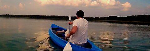 Kanus, Kajaks, SUP Boards, Ruderboote und Tretboote