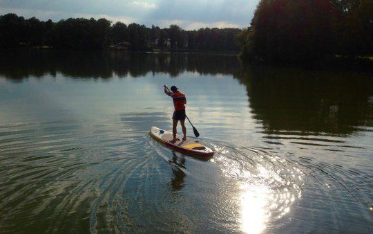 SUP Board leihen bei Berlin in Motzen am Motzener See. Paddel Pit Supverleih, Bootsverleih